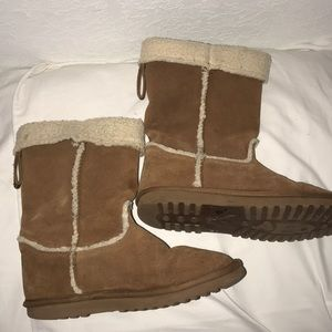 American Eagle Fur Lined Boots